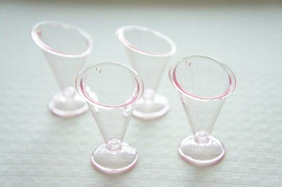 4  pcs Sundae  Cup Charm (H36mm) Very Light Pink