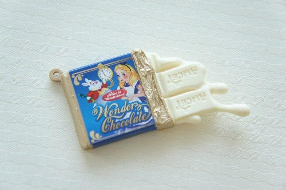 Alice in Wonderland Sweets Charm / White Chocolate Bar