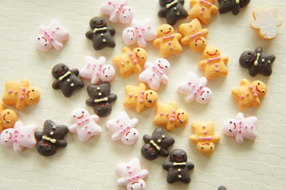 9 pcs Tiny Ginger Bread Man Cookie Cabochon (10mm11mm) CD359