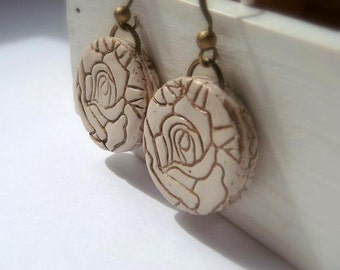Texture Flower Earrings  in Ivory and Gold, Valentine's Day Mother's Day  Gift for Her Polymer clay Handmade Jewelry
