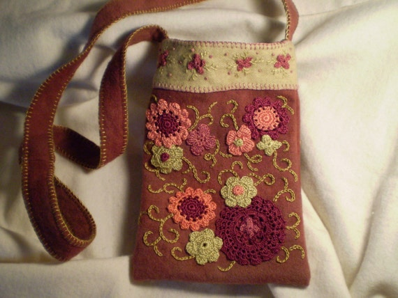Handbag - Embroidered Floral