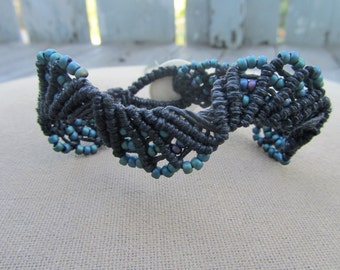 Hemp Macrame Bracelet with Blue Iridescent Glass - Hippie Bohemian Natural
