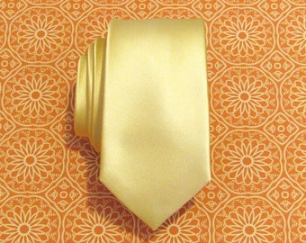 Mens Tie. Pale Gold Yellow Silk Skinny Necktie With Matching Pocket Square Option