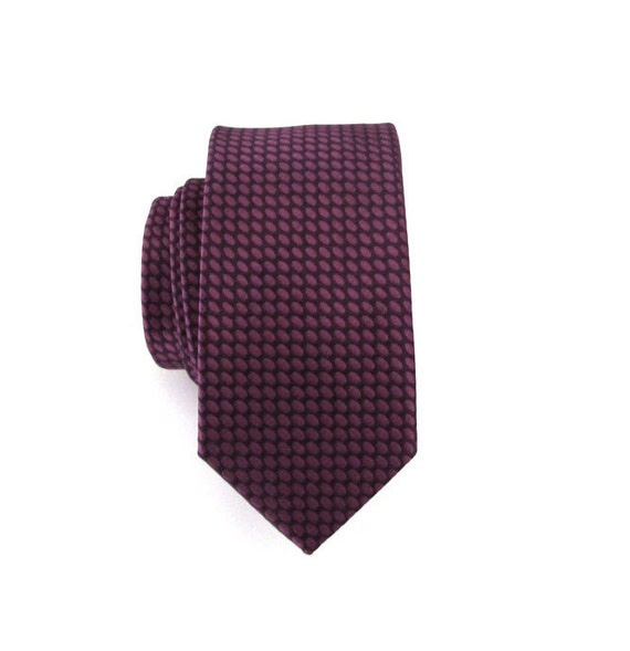Skinny Tie - Fandango Pink Oval Skinny Necktie