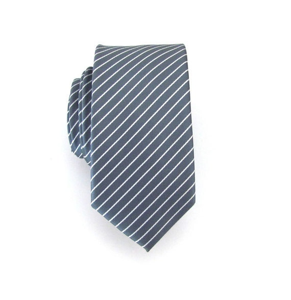 Skinny Tie - Gray and White Striped Skinny Necktie