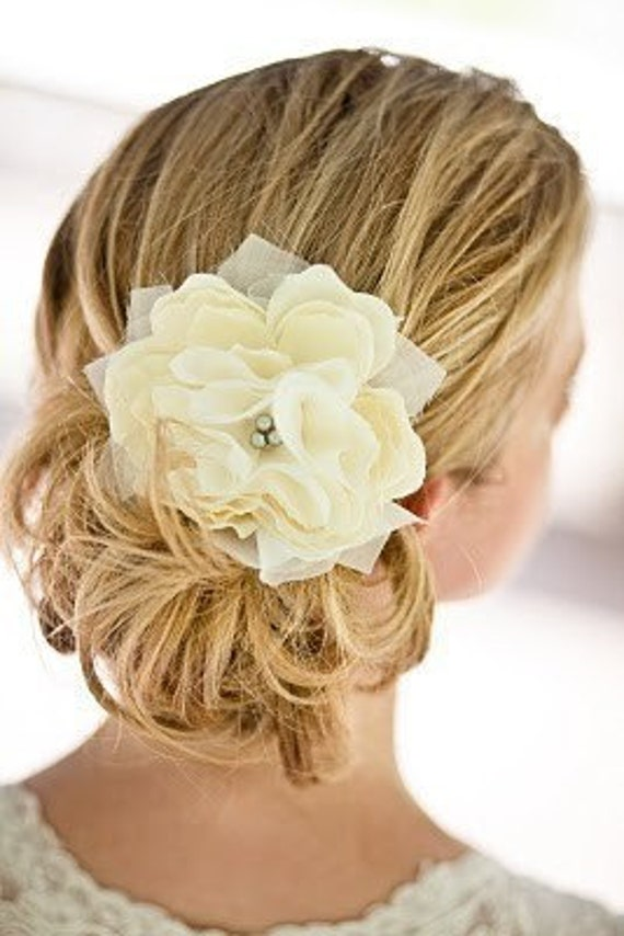 Small Pacific Ivory Peony Bridal Hair Flower with Silver Grey Pearls- Weddings, Bridesmaid, Set, Pearls, Gift