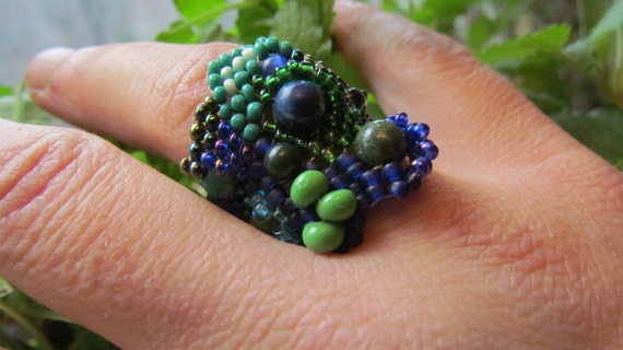Freeform Peyote Ring Beaded Blue Green Size 9 OOAK