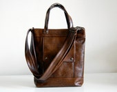 Packet in Canyon Brown Leather - Made to Order