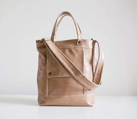 Packet in Chai Latte Tan Leather - LAST ONE - Ready to Ship