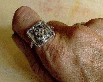 Ohm Ring Om in Sterling Silver