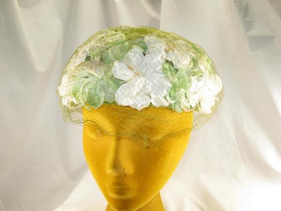 Vintage 50s 60s White N Green Silk Flower Hat