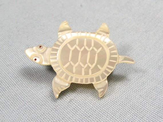 Vintage 70s Carved Tortoise Mother of Pearl Brooch Jewelry