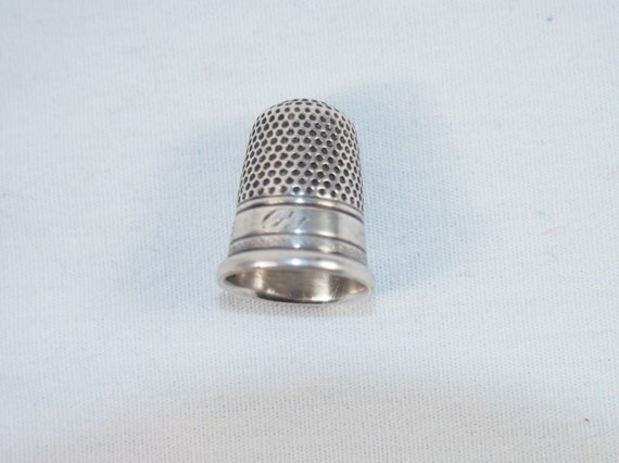 Vintage Early 1900s Victorian Etched Thimble Sz 5