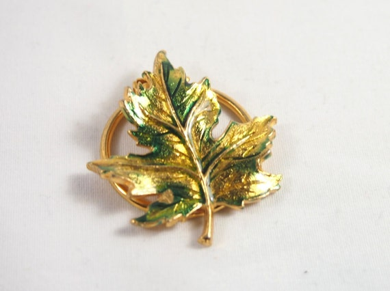 Vintage 70s Enamel Oak Leaf Scarf Clip Holder Jewelry
