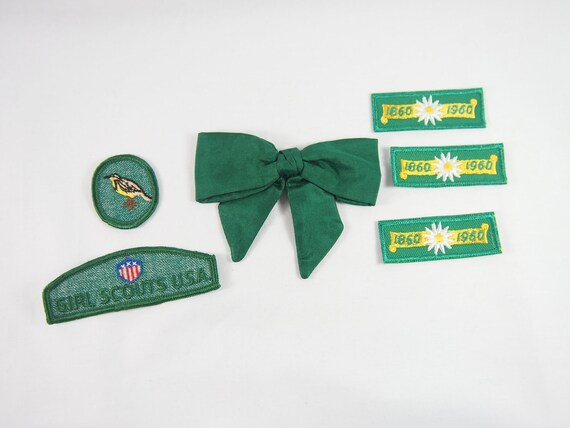Vintage 50s 60s Girl Scout Green Clip Bow Tie and Badges