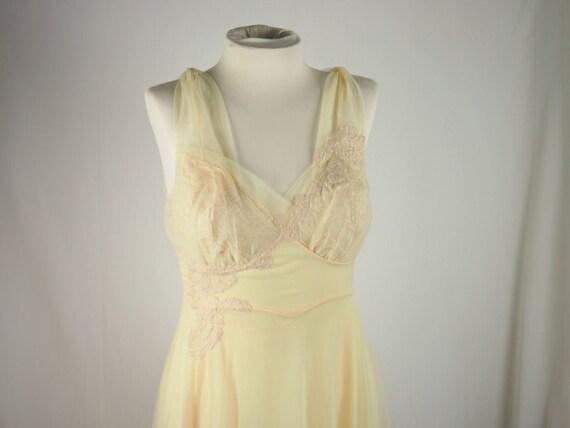Vintage 50s 60s Vanity Fair Slip Lingerie Nylon Sheer Lace Dress Clothing