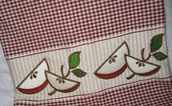 Gingham Dish Towel with Apple Embroidery