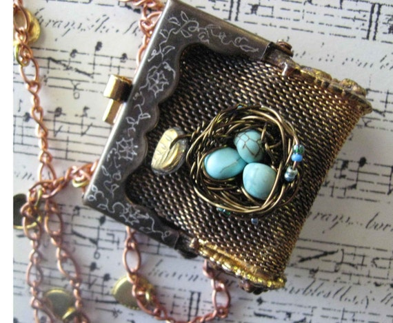 Romantic Vintage Mesh Purse with bronze bird nest necklace