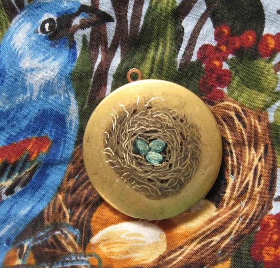 Rustic Engraved Woodland Robin Birdnest art locket,comes w/ribbon