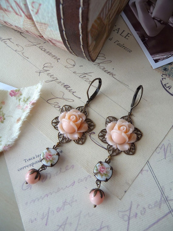 Grand Ballet Earrings III - Vintage Style Earrings with rose cabochons and peach coral beads