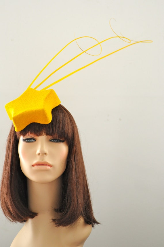 Gold Shooting Star Cocktail Hat Fascinator Mini Hat Millinery