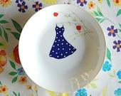 Polkadot dress in the apple tree plate