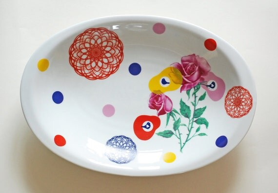 Very large roses, dots and spirographs serving platter