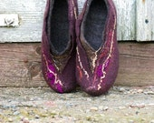 Great Grandmother Gift, women  house shoes, felted  slippers