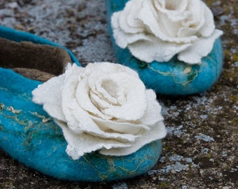 Womens wool slippers, Bride slippers with roses,  Felted slippers turquoise  and white roses set