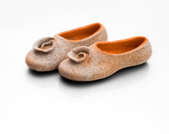 Felted clogs, Felted slippers orange, Wool slippers Women slippers, Felted Footwear Warm slippers, House shoes, Girlfriend gift for wife