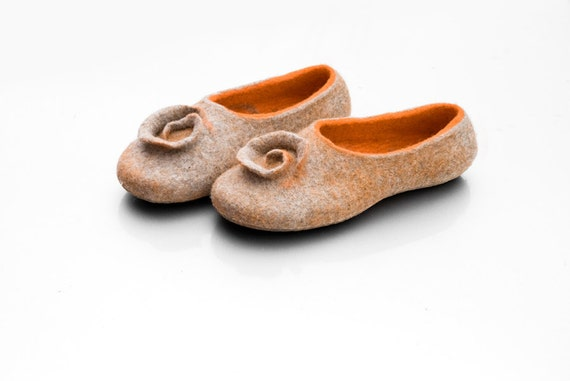 Felted slippers Gray slippers Orange Felted wool slippers Wool women shoes Natural wool