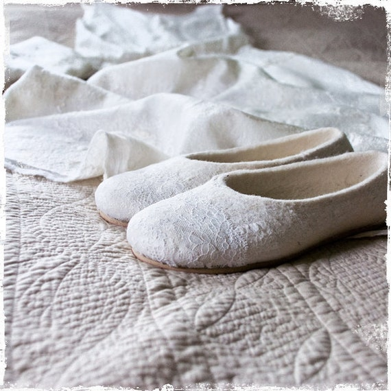 Womens slippers Handmade Flat lace bridal shoes White Wool felt house slippers