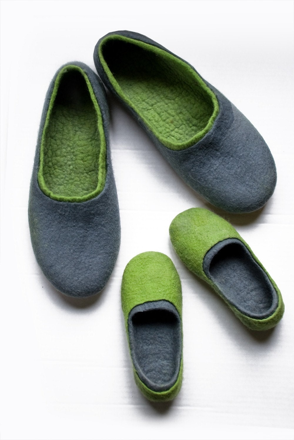 {{ metaDescriptionColor!== null? metaDescriptionColor: 'Order your new slippers and indoor shoes directly on manga-hub.tk Fast delivery. The slippers are produced in % pure natural wool and have a .