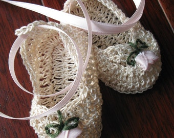 Crochet Newborn Baby Girl Booties Knit Infant Baptismal Crib Shoes with Roses Christening Booties Reborn Doll Mary Janes Baby Photo Prop