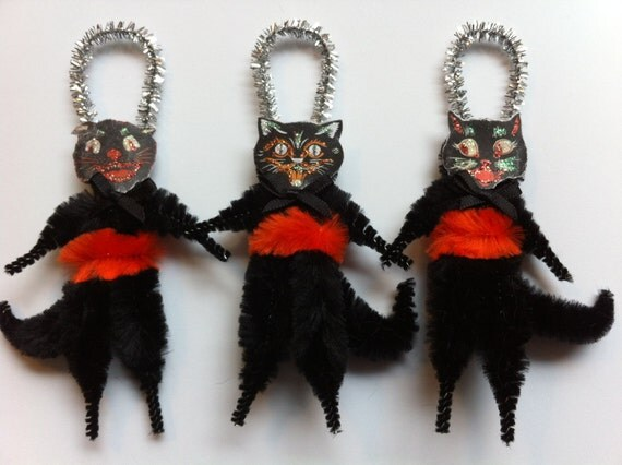 Halloween BLACK CATS vintage style chenille scary cat ORNAMENTS set of 3