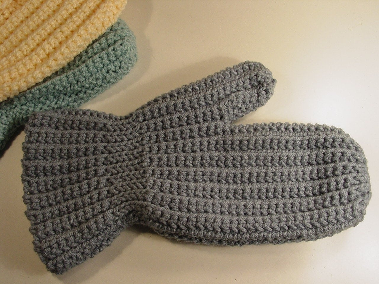 Easy Sideways Crochet Mittens Pattern pdf by madcowdog on Etsy