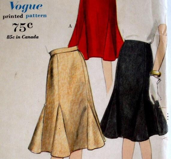 Vintage 1960s Godet Skirt Pattern Vogue 5320 Waist 24 Factory Folded