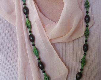 Vintage Marbled Green Art Glass Necklace