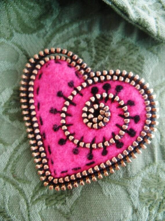 Hot Pink felt and zipper heart brooch