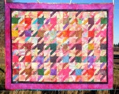 PDF sewing pattern to make your version of a houndstooth quilt