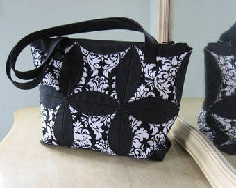 PDF Easy Cathedral Style Tote Pattern