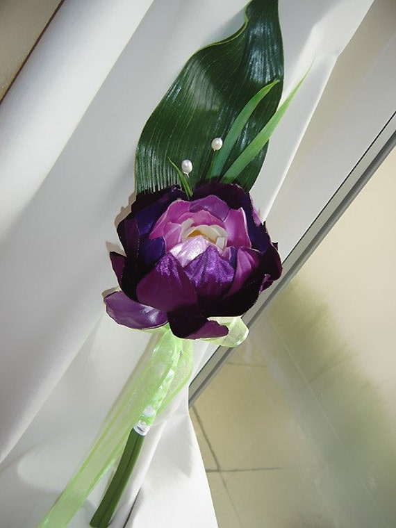 Single Stem LOTUS Bridesmaid Bouquet - You choose colours