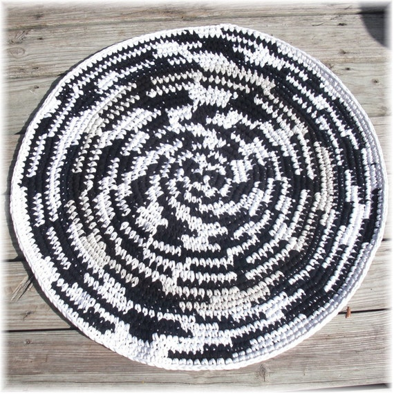 Crochet Rug Round Black And White Rag Rug Made From T Shirts