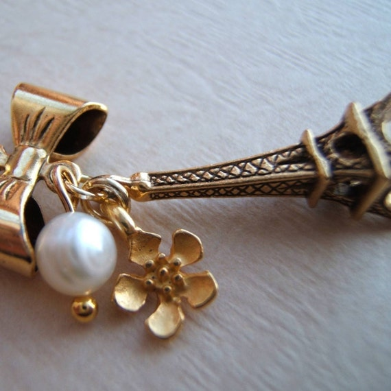 Paris and Pearl.  Necklace