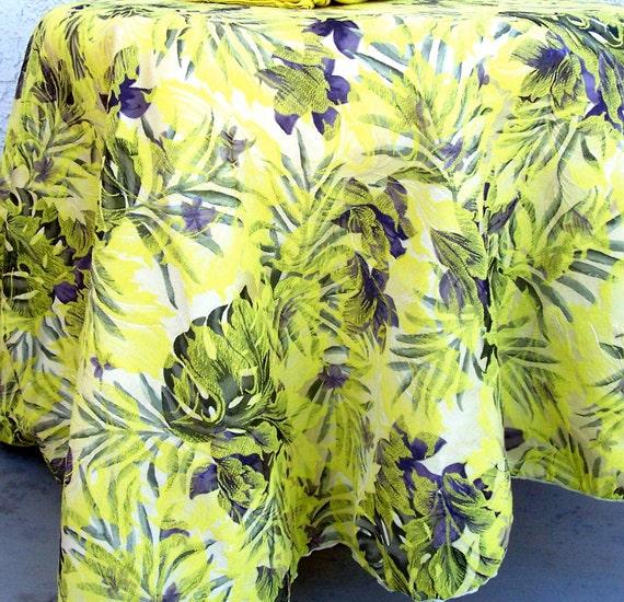 Vintage ROUND Damask Tablecloth