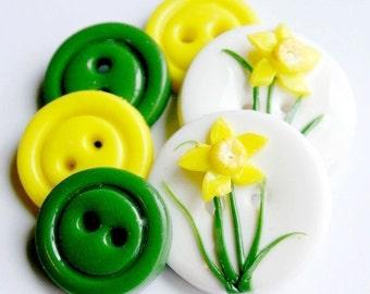 Daffodil (handmade buttons set of 6)