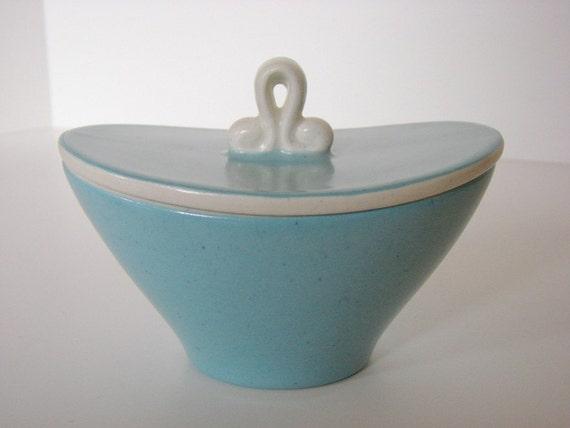 Vintage Metlox Del Rey Covered Sugar Bowl