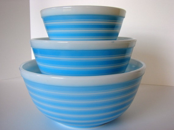 Rainbow Blue Stripes Pyrex Mixing Bowl Set