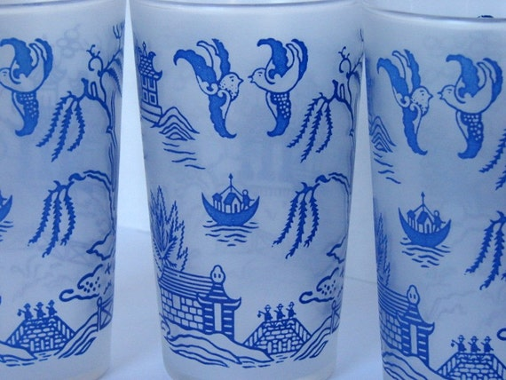 Vintage Federal Glass Blue Willow Tumblers