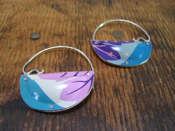 Swingy Pastel Leaf earrings.